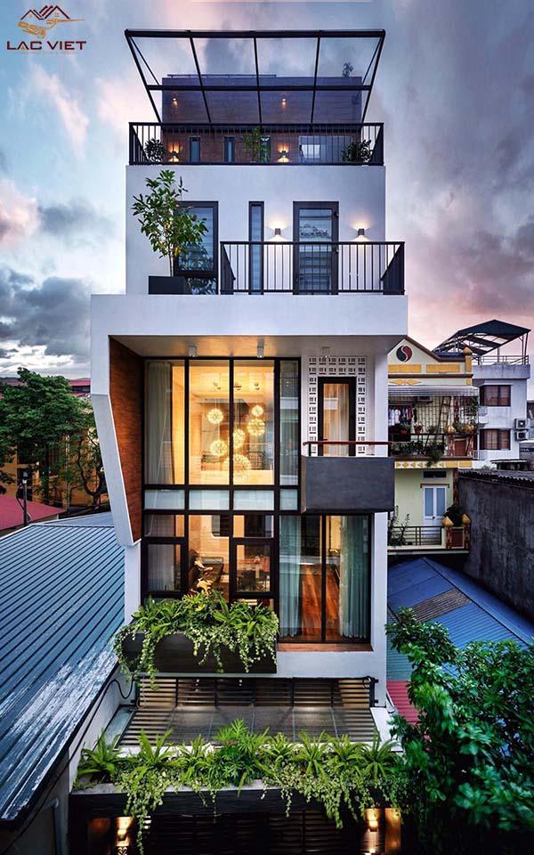 Sử dụng màu sáng đơn sắc giúp ngôi nhà trở nên rộng rãi hơn trông thấy