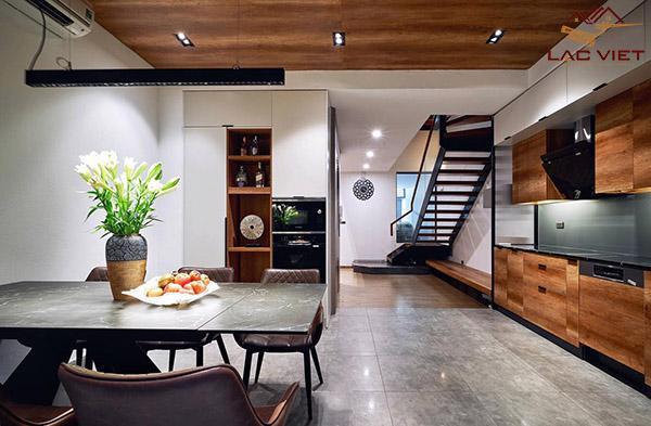 Phòng bếp lịch sự - sang trọng và khá rộng rãi