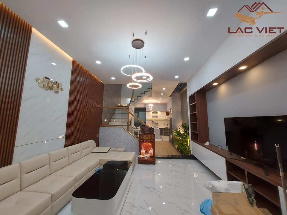Phòng khách với chiếc sofa lớn ấn tượng
