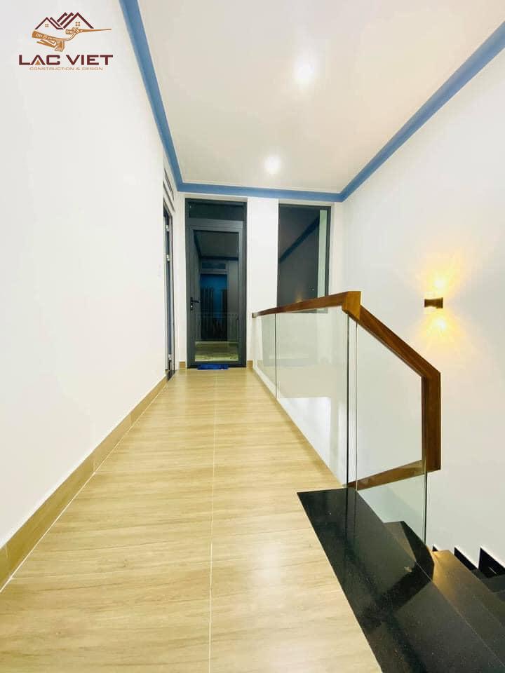 nhà phố 2 tầng tối giản