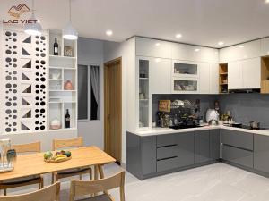 Trắng và xám là lựa chọn an toàn cho căn bếp nhà bạn