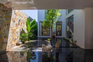 Ngôi nhà hiện đại với mảng tường đậm chất Địa Trung Hải