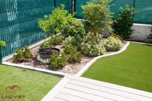 Những bãi cỏ xanh - đôi khi lại là thứ duy nhất để tạo nên một khu vườn