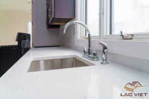 Đá Marble cũng được ưu tiên sử dụng trong phòng bếp và phòng tắm