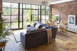 Hãy kết hợp nhiều màu sắc nếu bạn có một không gian đủ lớn cho phòng khách