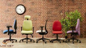 Thị trường đủ đa dạng để bạn lựa chọn một chiếc ghế làm việc phù hợp với cơ thể mình