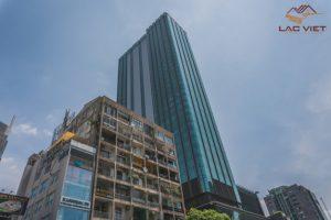 Những ngôi nhà ống đan xen với các tòa nhà cao tầng